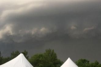 В эпицентре бури в Барнауле оказались выпускники