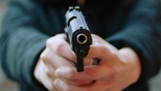 У бара мужчина ранил двух мужчин из пистолта в Барнауле