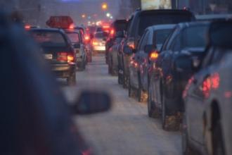 Пятибалльные пробки образовались сегодня утром в Барнауле
