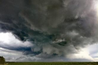 Климатолог: Сила опасных погодных явлений увеличится