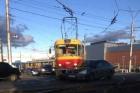 В Барнауле столкнулись авто и трамвай