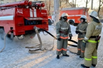 В Барнауле произошло возгорание в многоквартирном доме