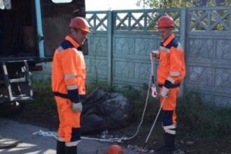 Барнаульцу отключили воду за большой долг