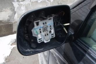 В Барнауле судят серийного похитителя автомобильных зеркал