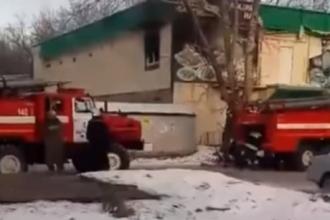 В Барнауле горело заброшенное здание кафе
