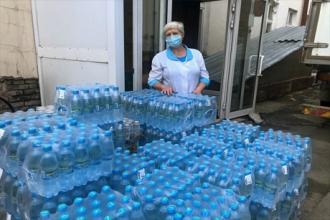 Больницы Новосибирска и Красноярска получили 24 000 бутылок воды от «Балтики»