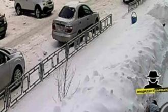 В Барнауле из окна выпал мужчина
