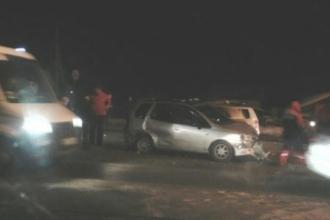 В массовом ДТП в Барнауле пострадали девочка и мужчина