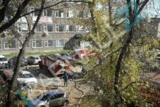 в Центре Барнаула в административном здании произошел пожар