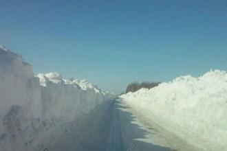 В Алтайском крае до сих пор в снежном плену остаются 3 населенных пункта