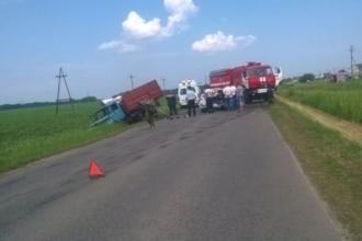В Барнауле после столкновения с грузовиком погиб водитель авто