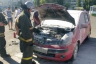 В Барнауле вновь вспыхнул автомобиль