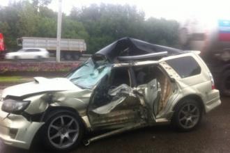 В Барнауле двое человек пострадали в жутком ДТП