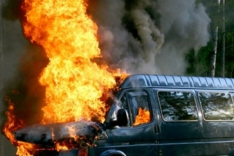 8 марта в Барнауле горел микроавтобус