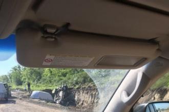 В Алтайском крае два автомобиля слетели с трассы