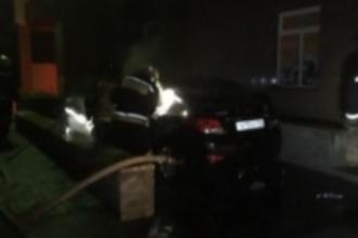 Ночью в Барнауле горел автомобиль