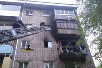 В Барнауле в воскресенье произошел пожар в многоквартирном доме
