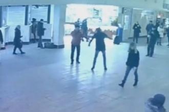 В Барнаульском автовокзале задержали танцующего парня