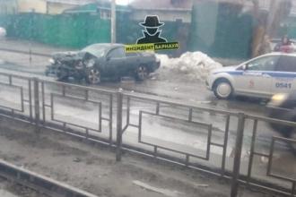 В Барнауле произошло лобовое столкновение
