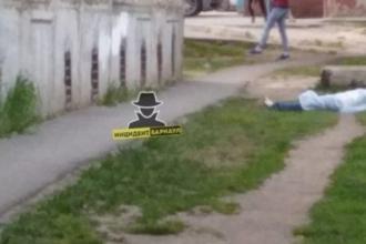 В Барнауле из окна 9 этажа выпала девушка