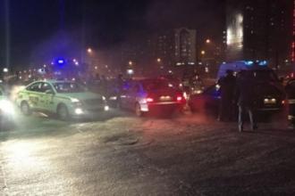 Водитель Ниссан столкнулся с другими машинами и умер