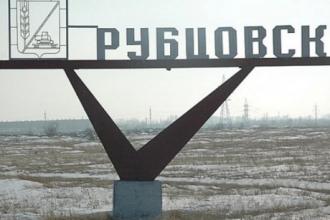 Житель Рубцовска из-за обиды закрыл в складе людей