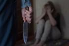 В Алтайском крае муж угрожал ножом своей жене