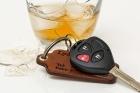 Пьяный барнаулец увидел полицию и выпрыгнул на ходу из авто