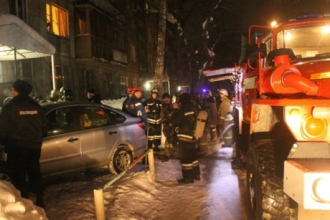 В Барнауле в многоэтажке произошел пожар