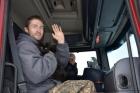 Жители Алтайского края помогли дальнобойщику