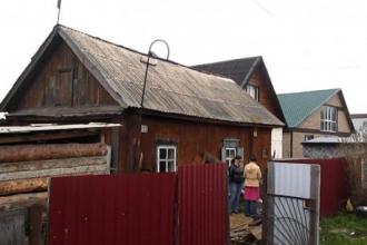 В Новоалтайске мужчина хотел сжечь дом с тремя людьми