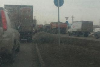 Трассу под Барнаулом перекрыли военные