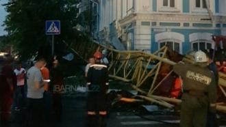 Во время шторма в Барнауле погиб машинист крана