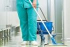 Санитарка больницы Бийска воровала из тумбочки деньги