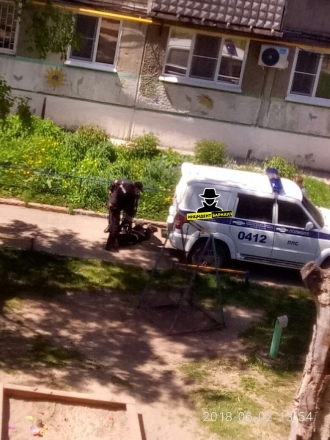 Барнаулец взял в заложники бабушку