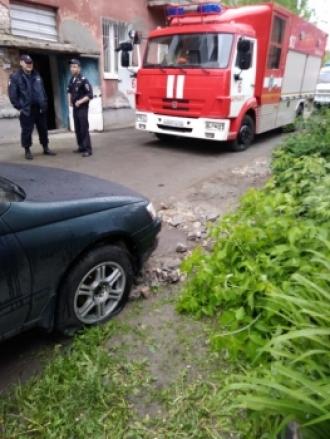 В Барнауле горел автомобиль