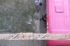 В Барнауле в общественном транспорте зажало человека в дверях