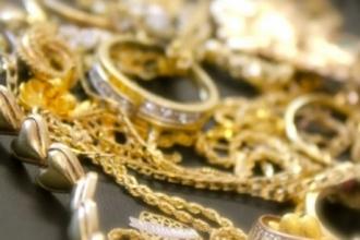 Подростки украли золото из квартиры своей подруги