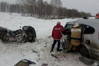 На трассе Барнаул-Новосибирск погибли двое человек в ДТП