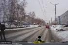 Появилось видео, где видно. как автомобиль наехал на пешехода в Барнауле