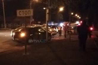 В центре Барнаула произошло массовое ДТП