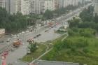 Из-за сильного дождя улицы Барнаула остаются затопленными