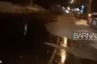 В Барнауле произошла коммунальная авария, улица затоплена