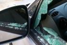 Пьяный мужчина в Барнауле бил стекла машин