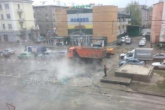 На Жилплощадке в Барнауле ведут откачку воды