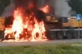 На Алтайской трассе загорелся кран