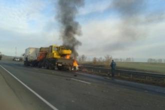 На Алтайской трассе в ДТП с грузовиком погиб человек