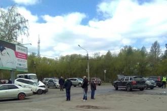 В Барнауле произошла авария с автомобилем Порше