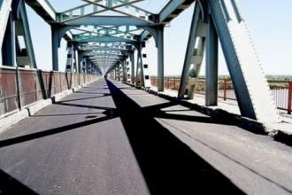 В Барнауле призывают закрыть старый мост в связи с нарушениями